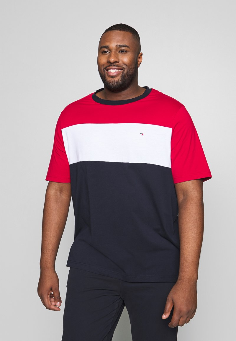Tommy Hilfiger - COLOUR BLOCK TEE - Print T-shirt - red