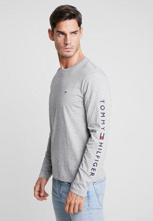 LOGO LONG SLEEVE TEE - T-shirt à manches longues - grey