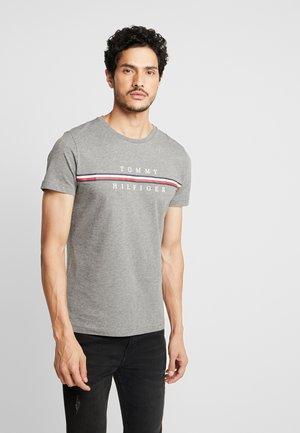 CORP SPLIT TEE - T-shirt con stampa - grey