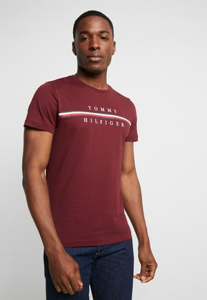 CORP SPLIT TEE - Print T-shirt - bordeaux