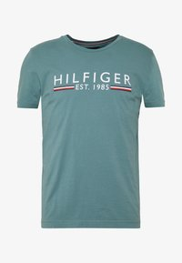 Tommy Hilfiger - 1985 TEE - T-shirt con stampa - green - 3