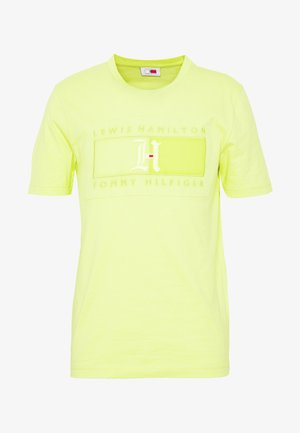 LEWIS HAMILTON LOGO TEE - T-shirt med print - yellow