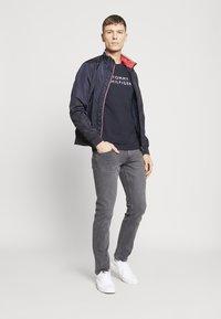 Tommy Hilfiger - Camiseta estampada - blue - 1