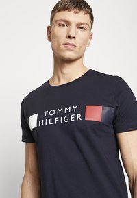 Tommy Hilfiger - T-shirt con stampa - blue - 3
