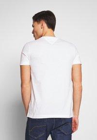 Tommy Hilfiger - YACHT CLUB TEE - Print T-shirt - white - 2