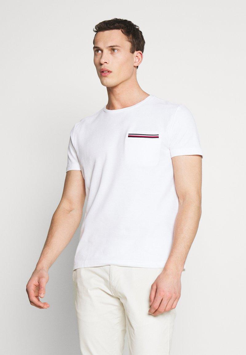 Tommy Hilfiger - T-shirt z nadrukiem - white