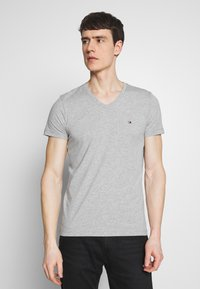 Tommy Hilfiger - STRETCH SLIM FIT VNECK TEE - T-shirt basic - grey - 0