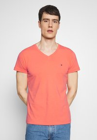 Tommy Hilfiger - STRETCH SLIM FIT VNECK TEE - T-shirt basic - orange - 0