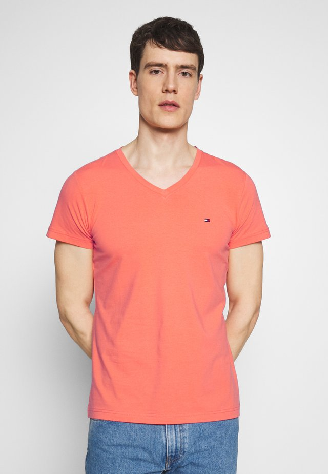 STRETCH SLIM FIT VNECK TEE - Basic T-shirt - orange