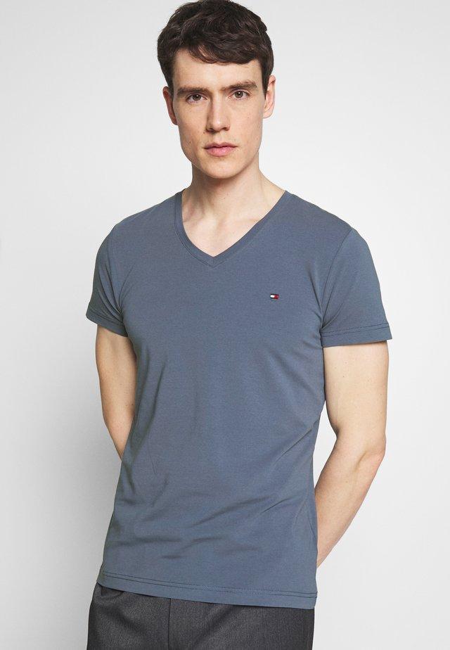 STRETCH SLIM FIT VNECK TEE - T-shirts - blue