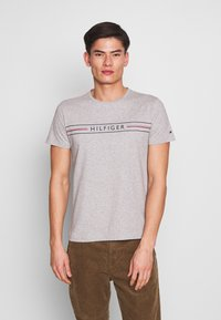 Tommy Hilfiger - CORP TEE - T-shirt con stampa - grey - 0