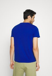 Tommy Hilfiger - CORP TEE - T-shirt con stampa - blue - 2