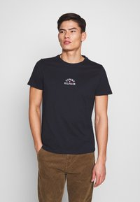 Tommy Hilfiger - ARCH TEE - Print T-shirt - blue - 0