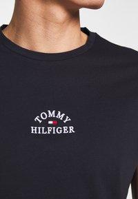Tommy Hilfiger - ARCH TEE - Print T-shirt - blue - 4