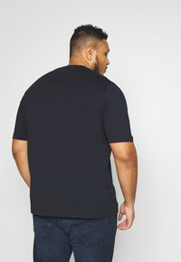 Tommy Hilfiger - STRIPE TEE - T-shirt con stampa - blue - 2