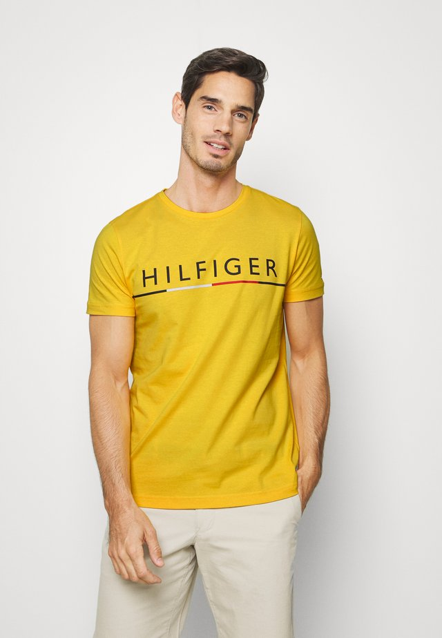 GLOBAL STRIPE TEE - Print T-shirt - yellow
