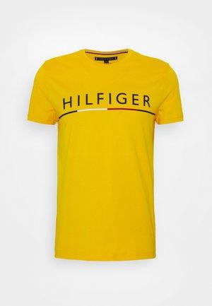 GLOBAL STRIPE TEE - Print T-shirt - yellow