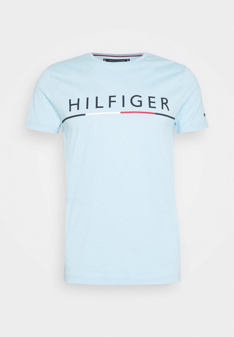 Tommy Hilfiger - GLOBAL STRIPE TEE - Printtipaita - blue
