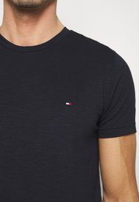Tommy Hilfiger - SLUB TEE - Basic T-shirt - blue - 5