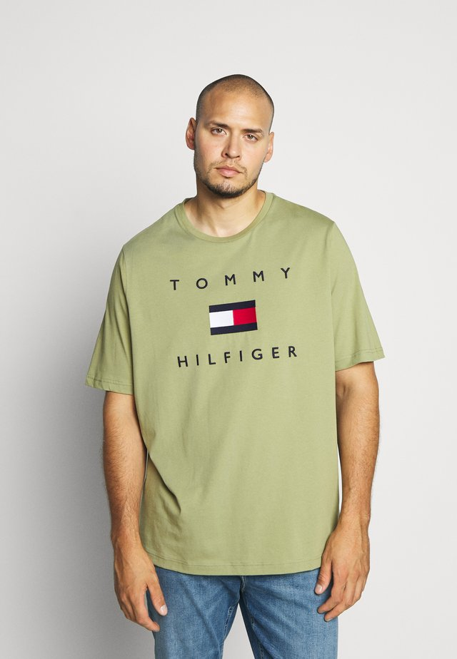 FLAG TEE - Print T-shirt - green