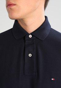 Tommy Hilfiger - PERFORMANCE REGULAR FIT - Poloskjorter - blue - 3