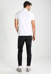 Tommy Hilfiger - SLIM FIT - Polo - white - 2