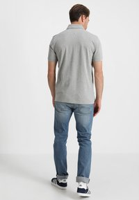 Tommy Hilfiger - CORE REGULAR FIT - Polo - cloud heather - 2
