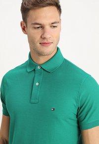 Tommy Hilfiger - HILFIGER SLIM  - Polo shirt - green - 4
