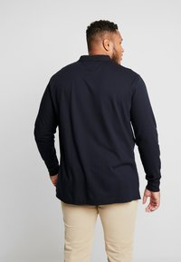 Tommy Hilfiger - BASIC BADGE REGULAR - Polo - blue - 2