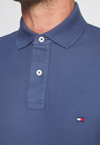 Tommy Hilfiger - Polo - blue - 4