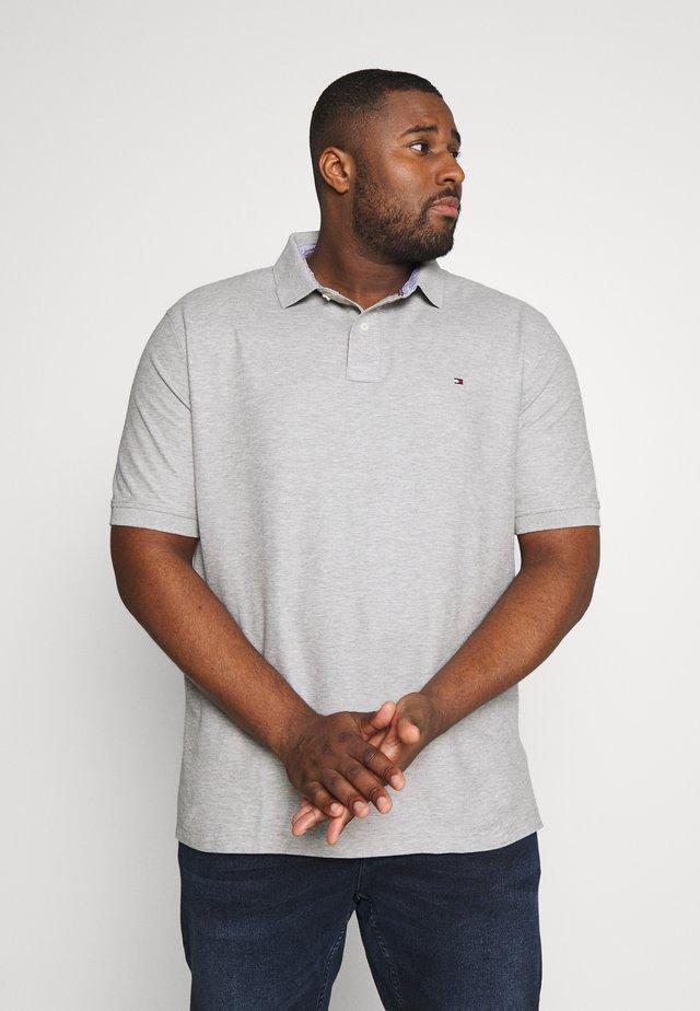 REGULAR FIT - Polo shirt - grey