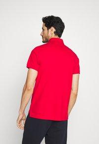 Tommy Hilfiger - POCKET DETAIL SLIM POLO - Polo shirt - red - 2