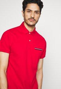 Tommy Hilfiger - POCKET DETAIL SLIM POLO - Polo shirt - red - 3