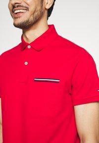 Tommy Hilfiger - POCKET DETAIL SLIM POLO - Polo shirt - red - 5