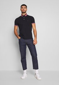 Tommy Hilfiger - CONTRAST TIPPED COLLAR - Polo shirt - blue - 1