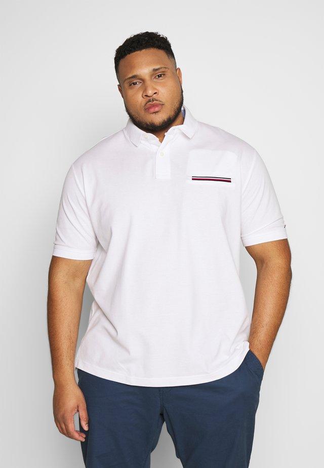 POCKET DETAIL - Poloshirt - white