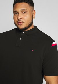 Tommy Hilfiger - SHOULDER INSERT - Poloshirt - black - 3