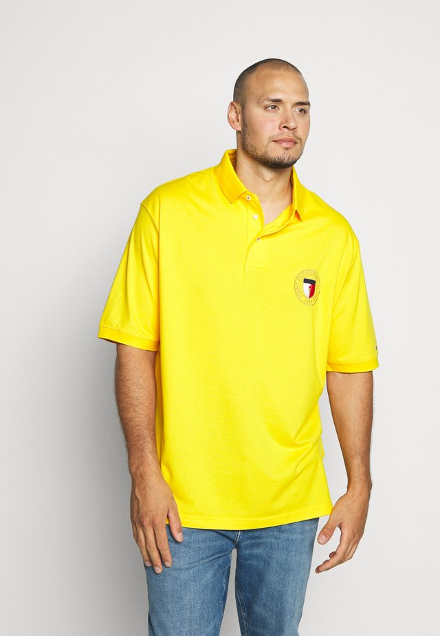 B&T CREST CHEST  - Polo shirt - yellow