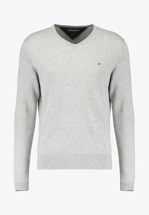 V-NECK  - Stickad tröja - cloud heather