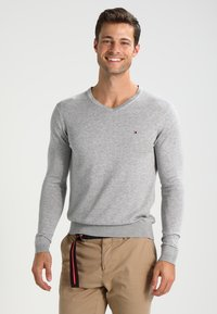 Tommy Hilfiger - V-NECK  - Neule - cloud heather - 0