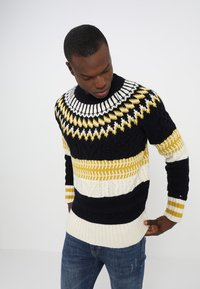 Tommy Hilfiger - FAIR ISLE MIXED RELAXED FIT C-NECK - Neule - blue - 0