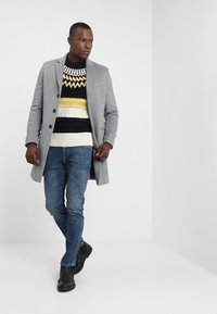Tommy Hilfiger - FAIR ISLE MIXED RELAXED FIT C-NECK - Neule - blue - 1
