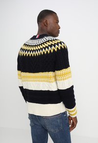 Tommy Hilfiger - FAIR ISLE MIXED RELAXED FIT C-NECK - Neule - blue - 2