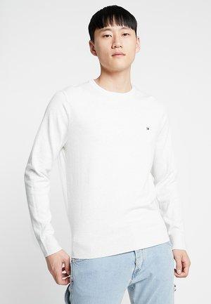 CREW NECK - Stickad tröja - white