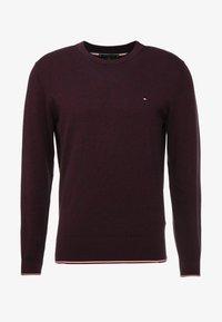 Tommy Hilfiger - TIPPED CREW NECK - Stickad tröja - red - 3