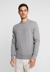 Tommy Hilfiger - PIMA CREW NECK - Stickad tröja - grey - 0