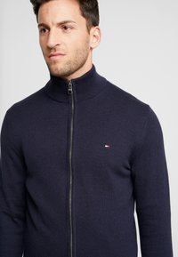 Tommy Hilfiger - PIMA ZIP THROUGH - Cardigan - blue - 4