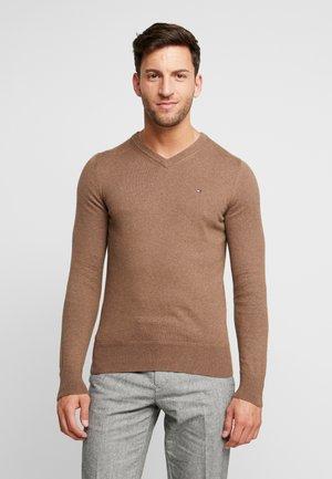 V NECK - Pullover - brown