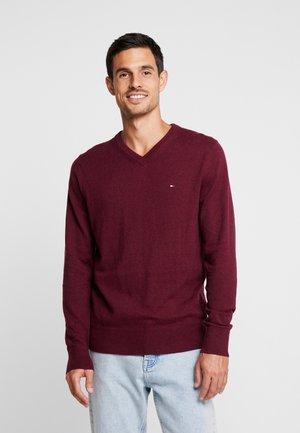 PIMA V NECK - Sweter - red