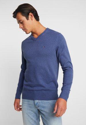 PIMA V NECK - Sweter - blue